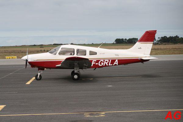 Le Piper PA-28 F-GRLA.