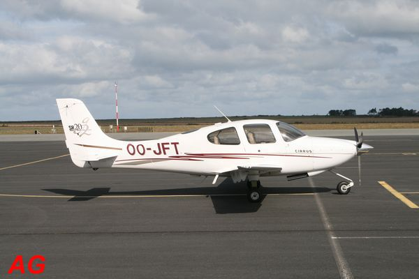 Le Cirrus SR-20 OO-JFT.