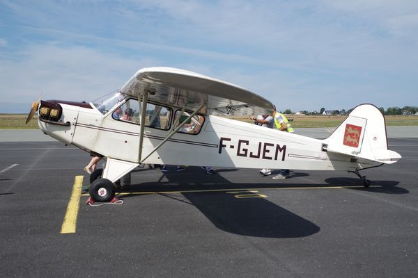 Le Piper J-3 Cub F-GJEM de Maurice Etchetto.