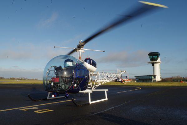 Un des pilotes de Tango Helico est venu avec le Bell 47G4 F-GJMP.