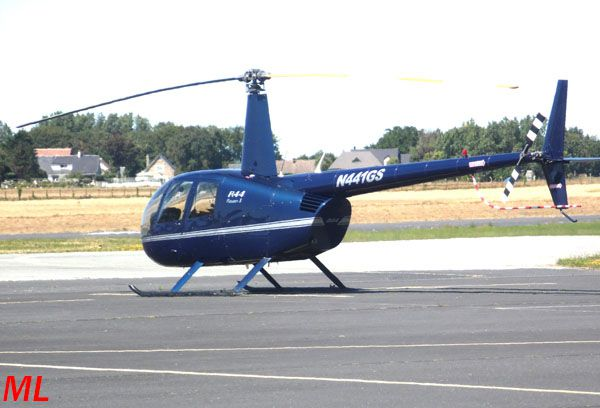 Le Robinson R-44 N441GS.
