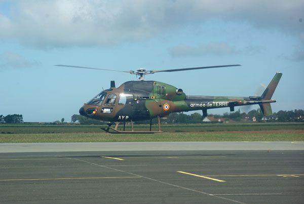 L'Aérospatiale AS-550 Fennec matricule AYP de l'Aviation Légère de l'Armée de Terre (ALAT). Un des 18 en flotte et vraiment rare à observer.