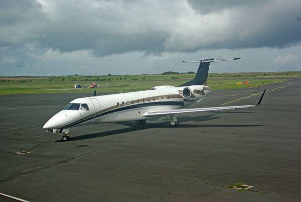 L'Embraer ERJ-135BJ Legacy 600 LX-JAG.