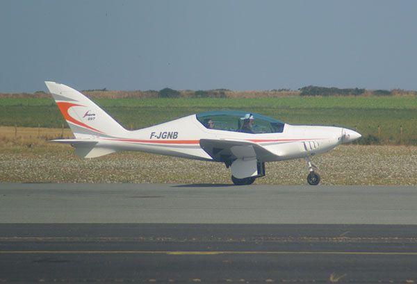 Le Shark-Aéro Shark UL F-JGNB au roulage.