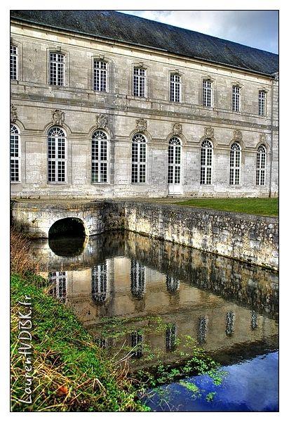 (Photo de l'Abbaye du Bec Hellouin )