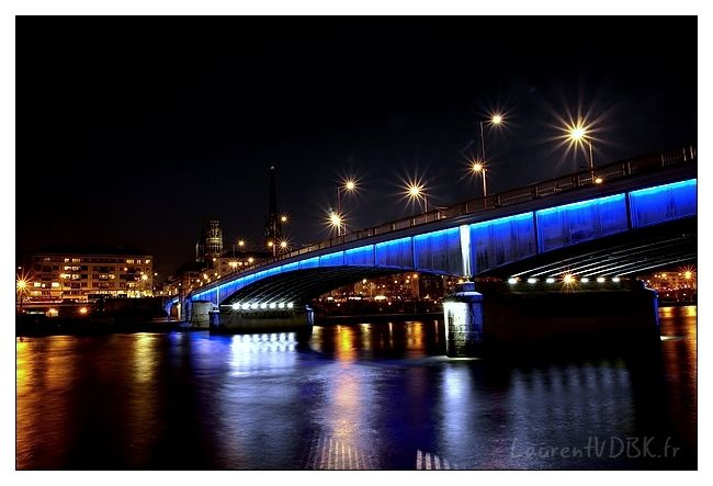 Pont Boieldieu la nuit