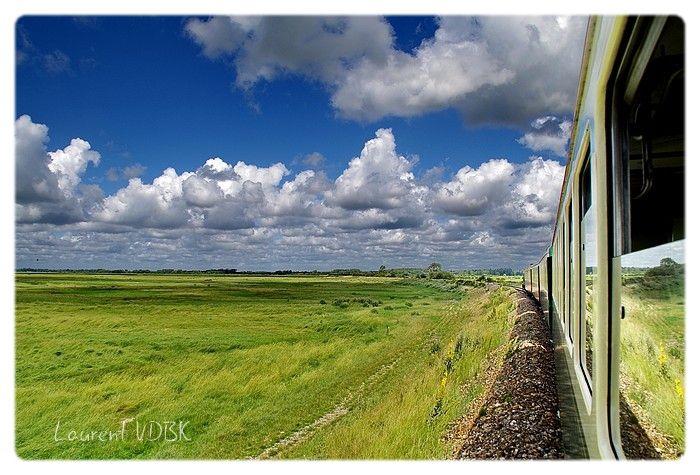Train contournant la Baie de Somme