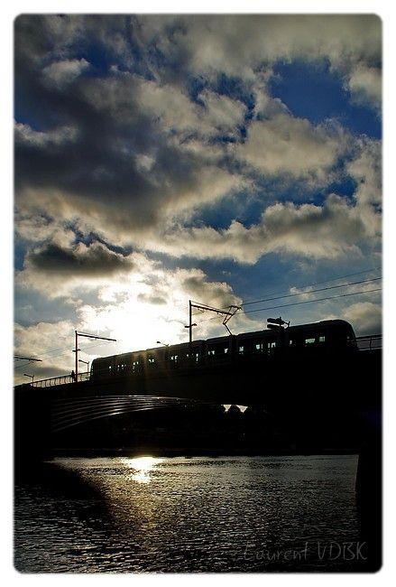 Métro sur le pont Jeanne D'arc, Rouen