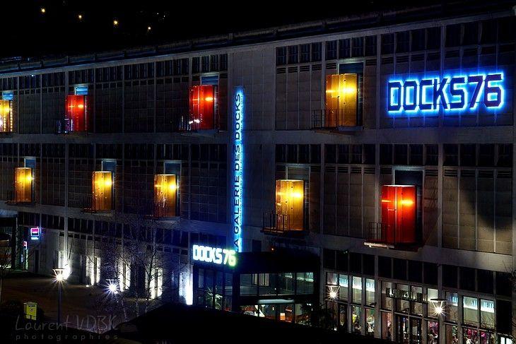 """Rouen - Les lumières du centre commercial """"Docks 76"""" la nuit"""