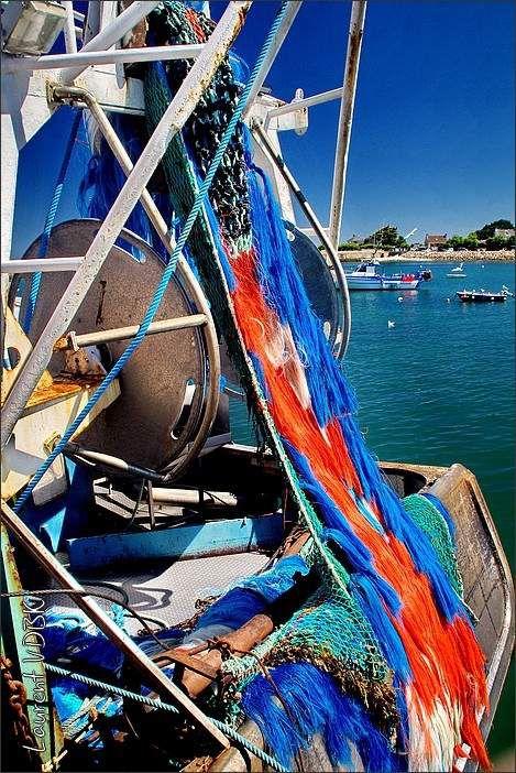 Filets multicolors du bateau de pêche