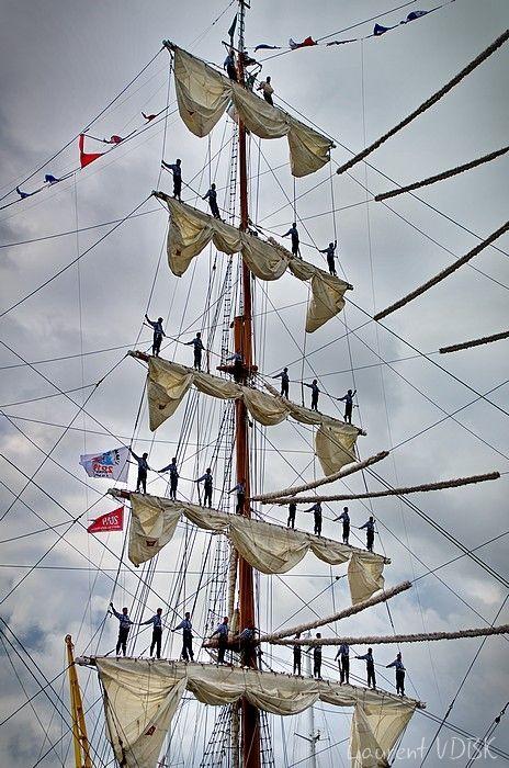 Armada de Rouen : Départ du Cuauhtémoc