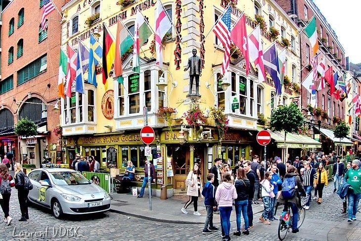 Irlande : Temple Bar, le quartier des pubs à Dublin