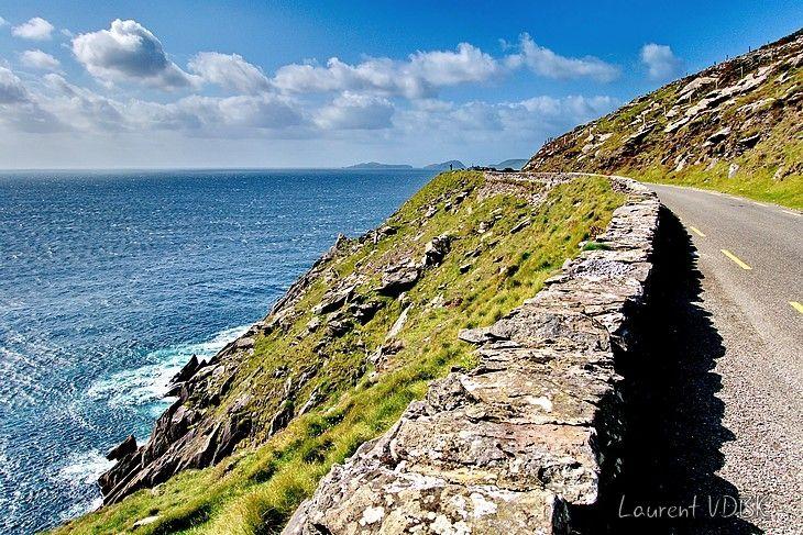 Route entre la montagne et la mer sur la Péninsule de Dingle - Comté du Kerry - Irlande  (Dingle Peninsula - Kerry - Ireland)