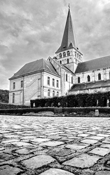 Abbaye Saint Georges à Saint Martin de Boscherville à ras du sol - Noir et Blanc