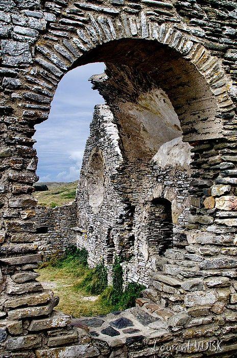Les ruines de la vieille église Saint Germain de Carteret