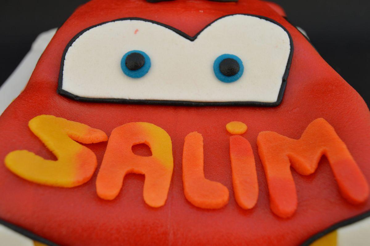 Gâteaux Cars Flash McQueen 3D pâte d'amande