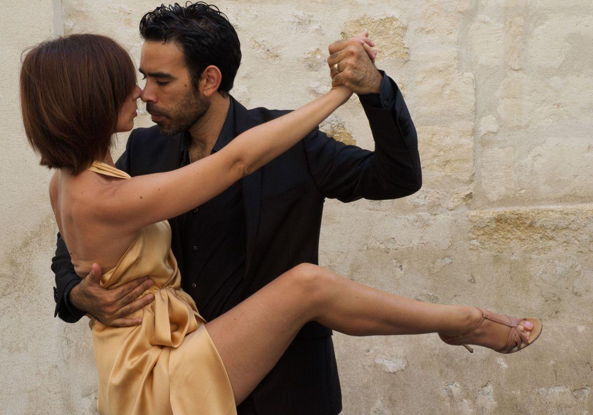 Claire et Dario Da Silva.   www.aix-en-tango.com