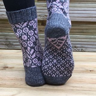 wild angelica socks runningyarn