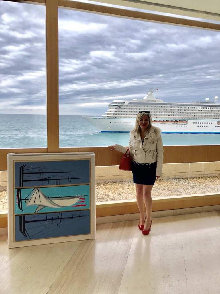 """Iris Devote Littardi revient avec une nouvelle exposition intitulée """"Classic Boats in graphic design"""" qui se tiendra en April 2019 . L'oeuvre « River /Fleuve » a été vendu au gala au Fairmont Monaco durant la vente aux enchères."""