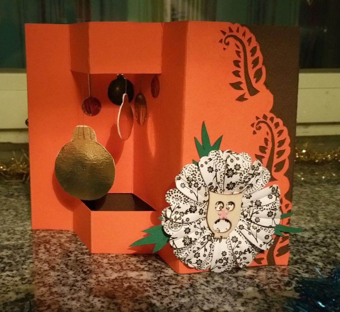 Carte; Noël; Fait maison; Femme; Chic; Fleur 3D; Boules; Nuit étoilée; Sapin; Accordéon.
