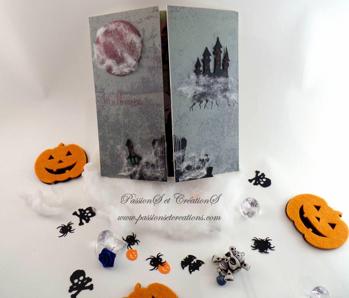 Carte - Halloween - 2017 - Portail - Chateau - Hantée - Lune - Rouge - Vampire - Bougie