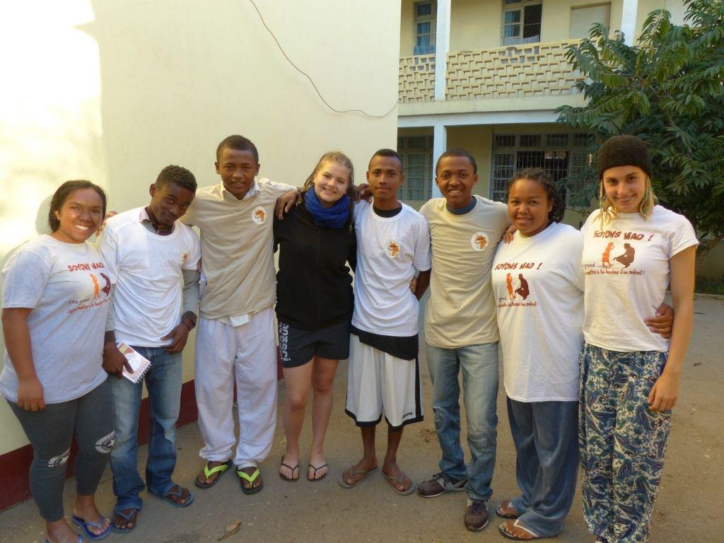 18. MISSION MAD 2016 : Visite de la case d'un étudiant à TULEAR - et Envoi en Mission de nos amis malagazy
