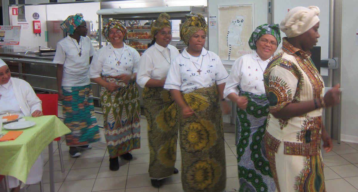 Des danses malgaches ou de RCA , particulièrement recherchées ! BRAVO !