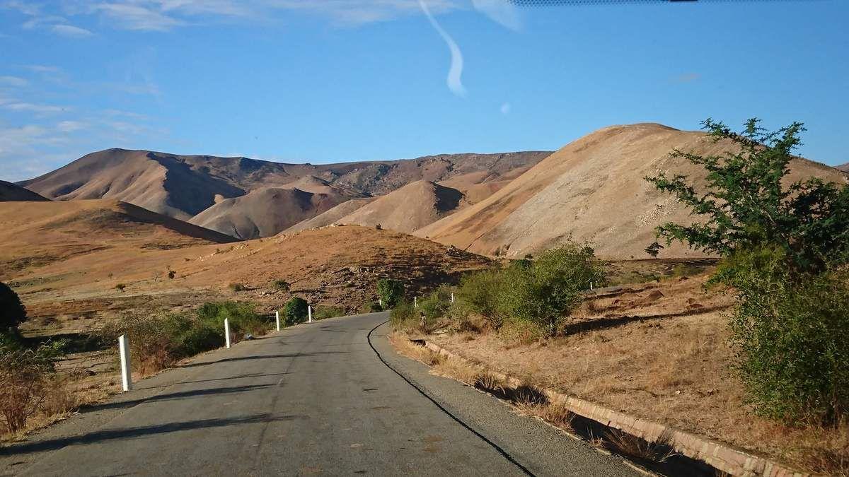 16 TULEAR- FIANARANTSOA : sur la route du retour vers TANA - 28 Juillet 2017
