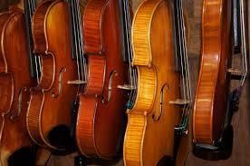 Nous estimons gratuitement violons, altos, violoncelles et leurs archets même en mauvais état  . contactez nous au 06 25 04 65 09