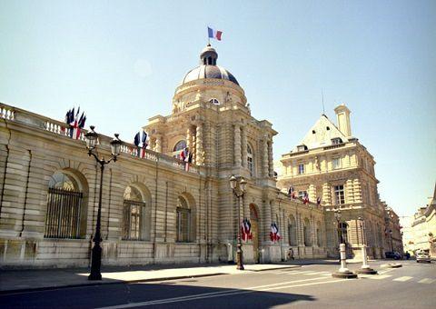 25/09/2017: Au revoir au Sénat.... A la manière de Cyrano... Hervé Poher