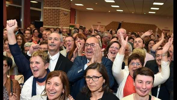 La liesse à Marly (59) hier au soir à l'annonce de la victoire de Fabien Thiémé