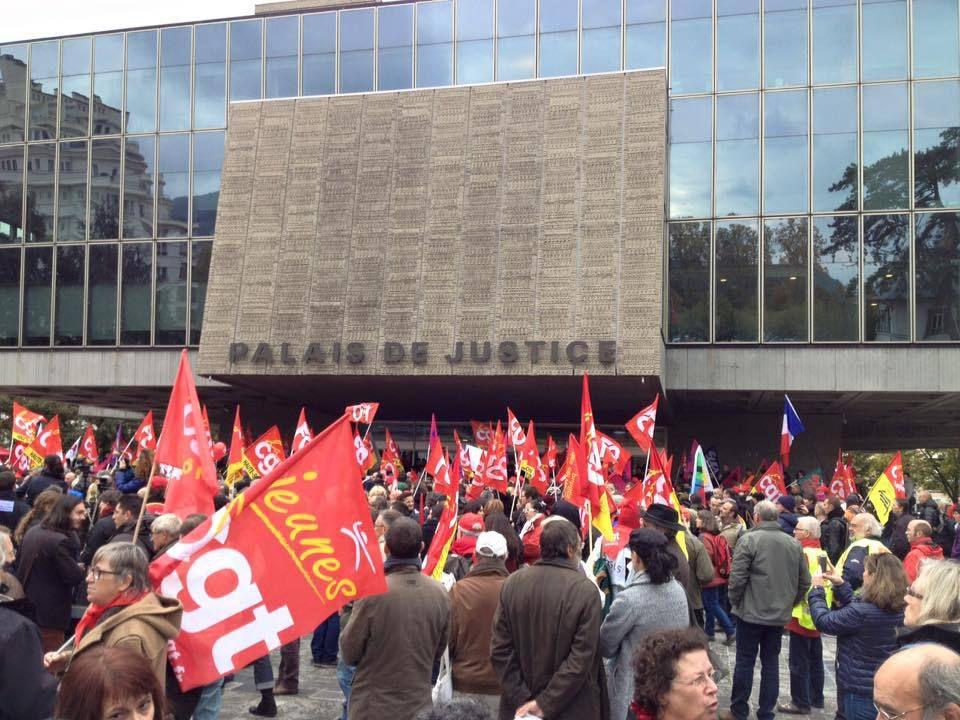Rassemblement au tribunal d'Annecy lors du procès de l'inspectrice du travail