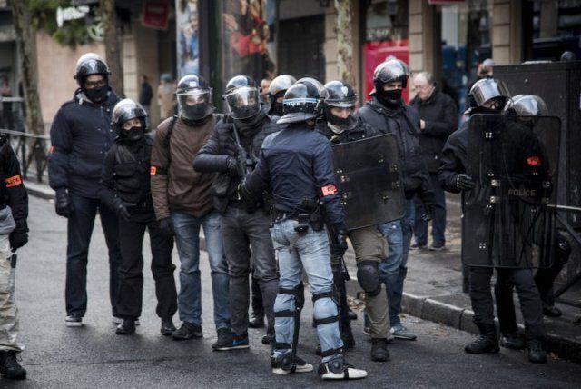 Mouvement populaire : Amnesty International dénonce « l'usage excessif de la force » par la police française