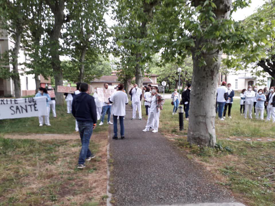 Nouvelle action des soignants de l'Hôpital Vinatier à Bron-Rhône