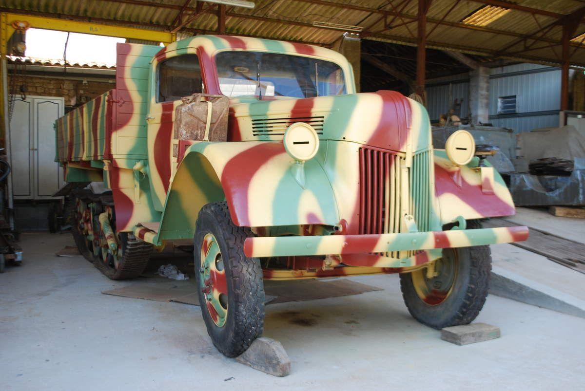crédit photos : alain Chaussade - le véhicule au  tel que trouvé au bord de la route en 2008 -restauré à 95 % en 15/05/2018