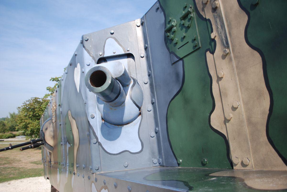 crédit photos : alain Chaussade - BERRY au BAC - la maquette du char Schneider