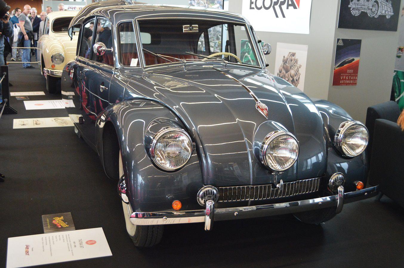 credit photos - alain chaussade - voiture TATRA - époque ( CS )