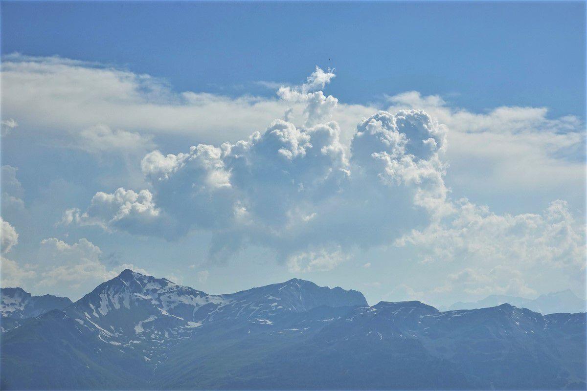 Mont Bréquin et la Croix