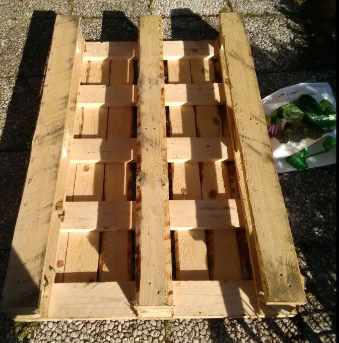 recyclez des palettes et cr ez votre jardin aromatique my ecotouch. Black Bedroom Furniture Sets. Home Design Ideas