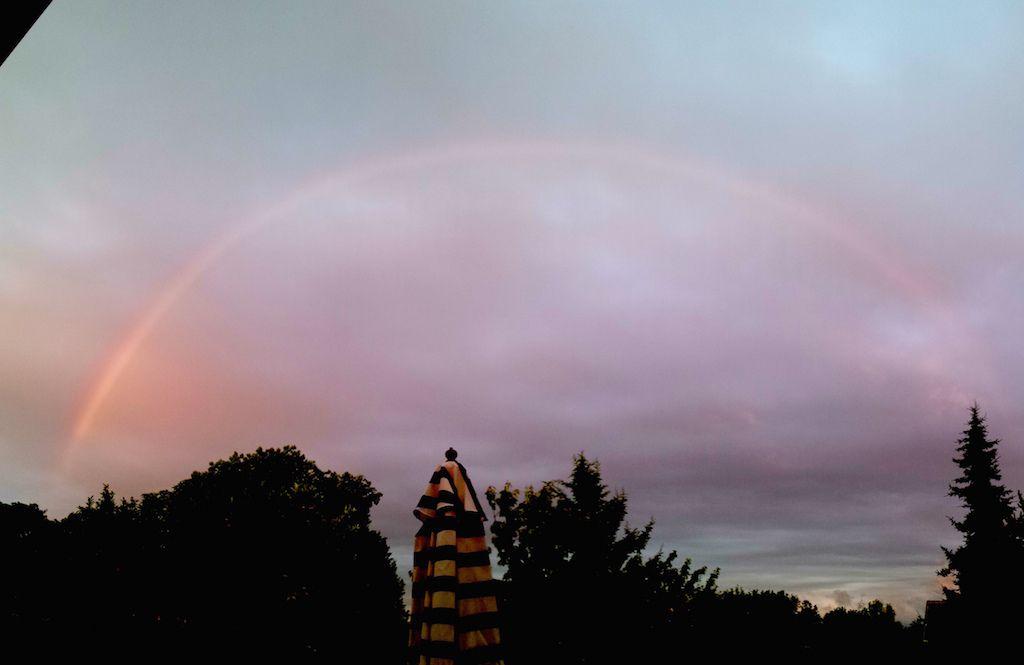 Arc en ciel complet depuis mon jardin