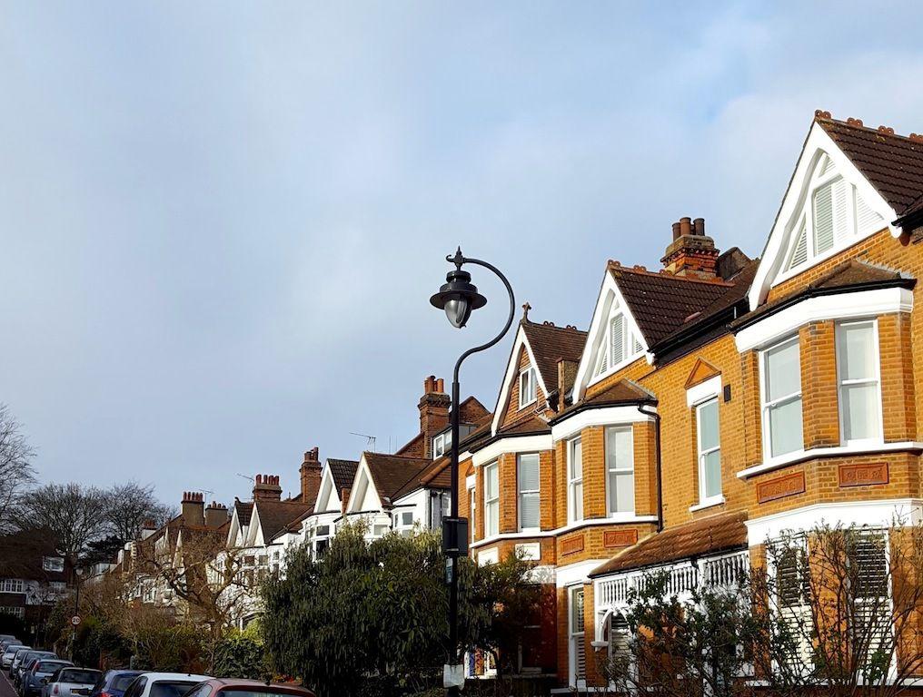 Les typiques rues de Londres sous le soleil...