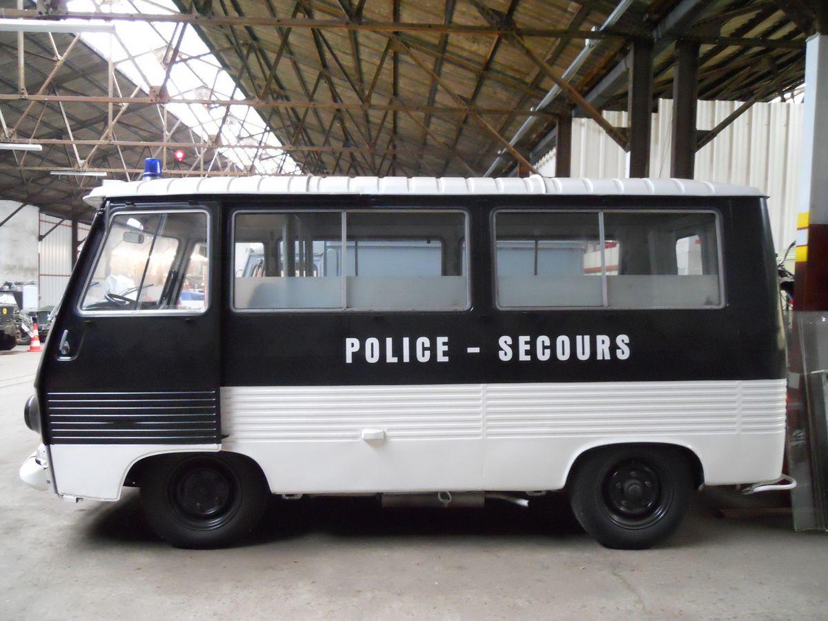Message passé aux amis LES RENDEZ-VOUS DE LA REINE Recherche anciennes voitures de POLICE