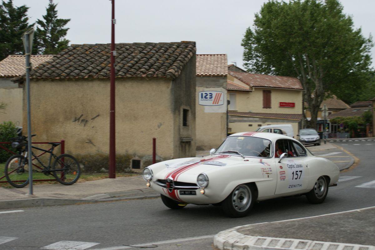 Blog LES RENDEZ-VOUS DE LA REINE - une ALFA ROMEO Giulietta Sprint Speciale sur la page d'accueil de cette semaine