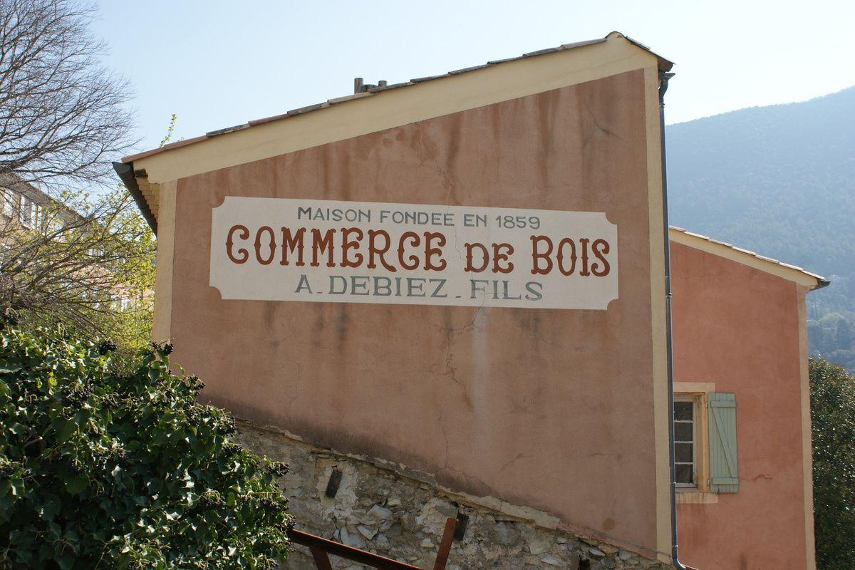 Dans la Drôme sur les bords de l'EYGUES, à 2 tours de roue de NYONS et 3 de CONDORCET