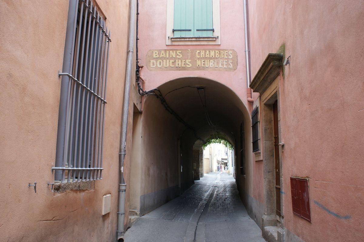 Une petite balade en semaine dans la Venise comtadine pour un futur tournage chez les Antiquaires de l'Isle sur la Sorgue (Vaucluse).
