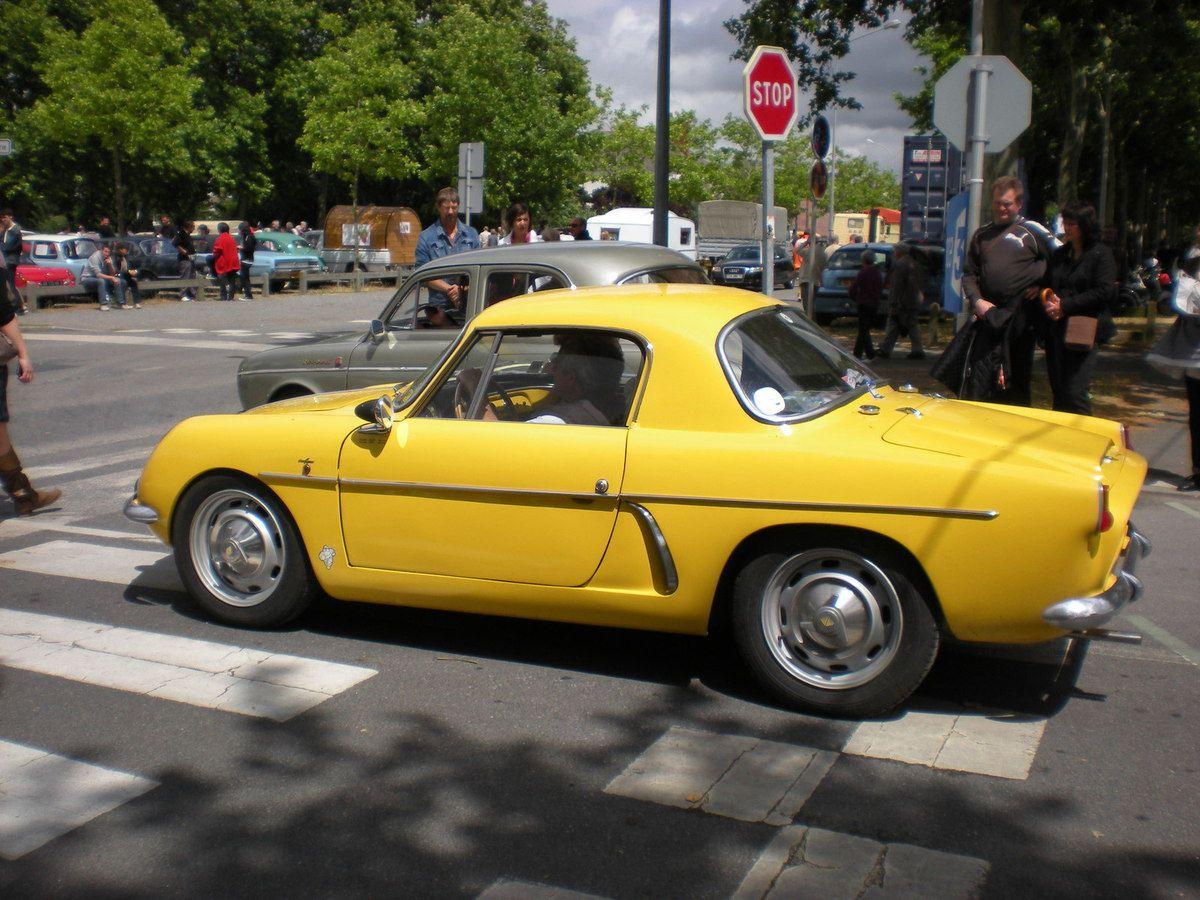 4CV BRISSONEAU & LOTZ Plus Renault 4CV que Renault DAUPHINE
