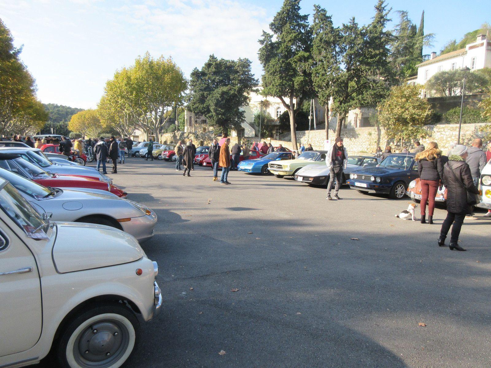 Avec Les SOUPAPES AVIGNONNAISES toutes les autos et motos anciennes d'au moins 55 ans d'âge