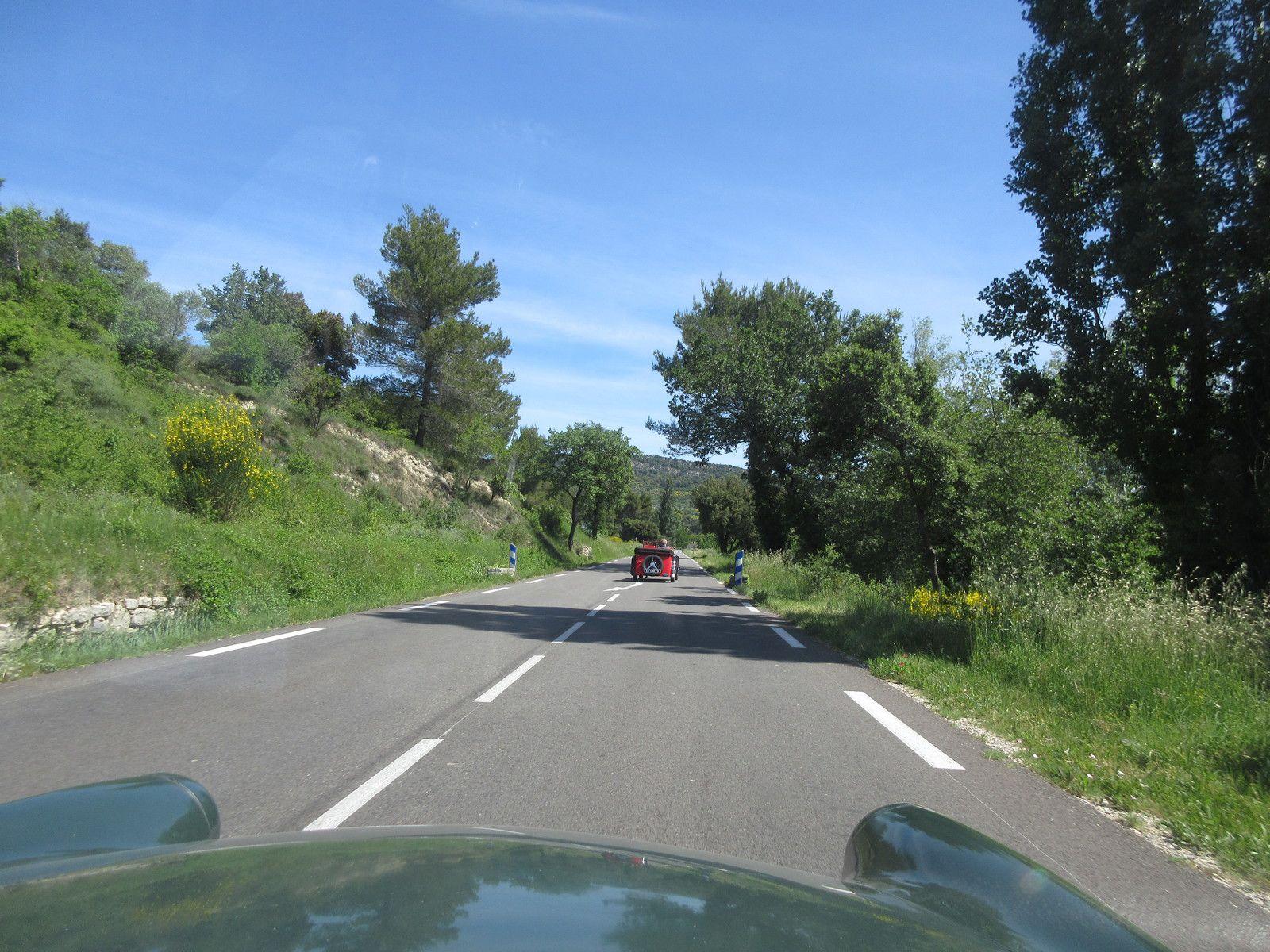 Dimanche 24 MAI en route pour prendre un peu d'altitude et venir se poser à Malaucène au pied du versant nord du mont Ventoux.
