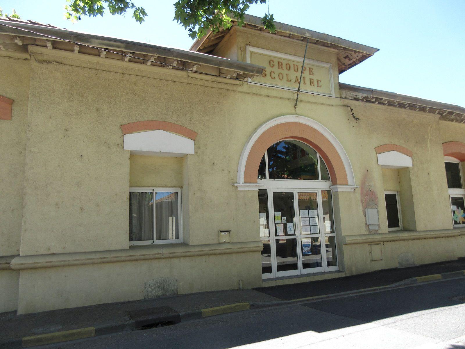SALIN-DE-GIRAUD Sur les traces des  becs salés avec  LE RENDEZ-VOUS DE LA REINE production