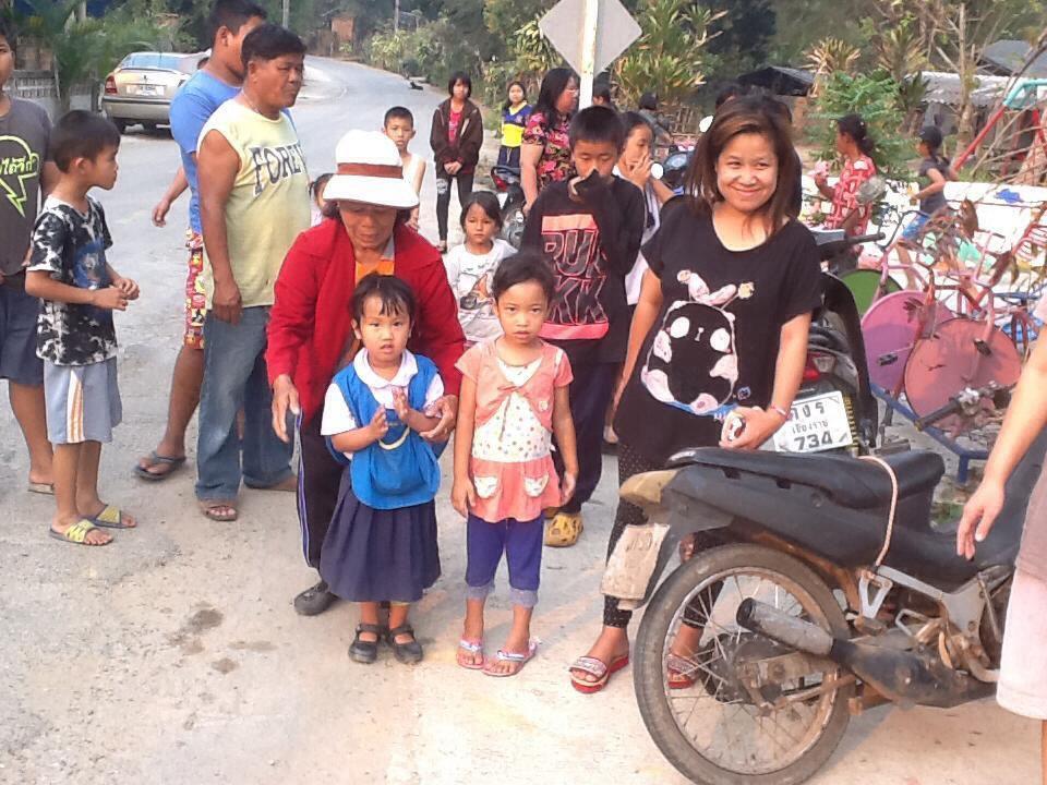 Visages d'enfants que nous avons rencontrés lors de notre projet humanitaire en Thailande